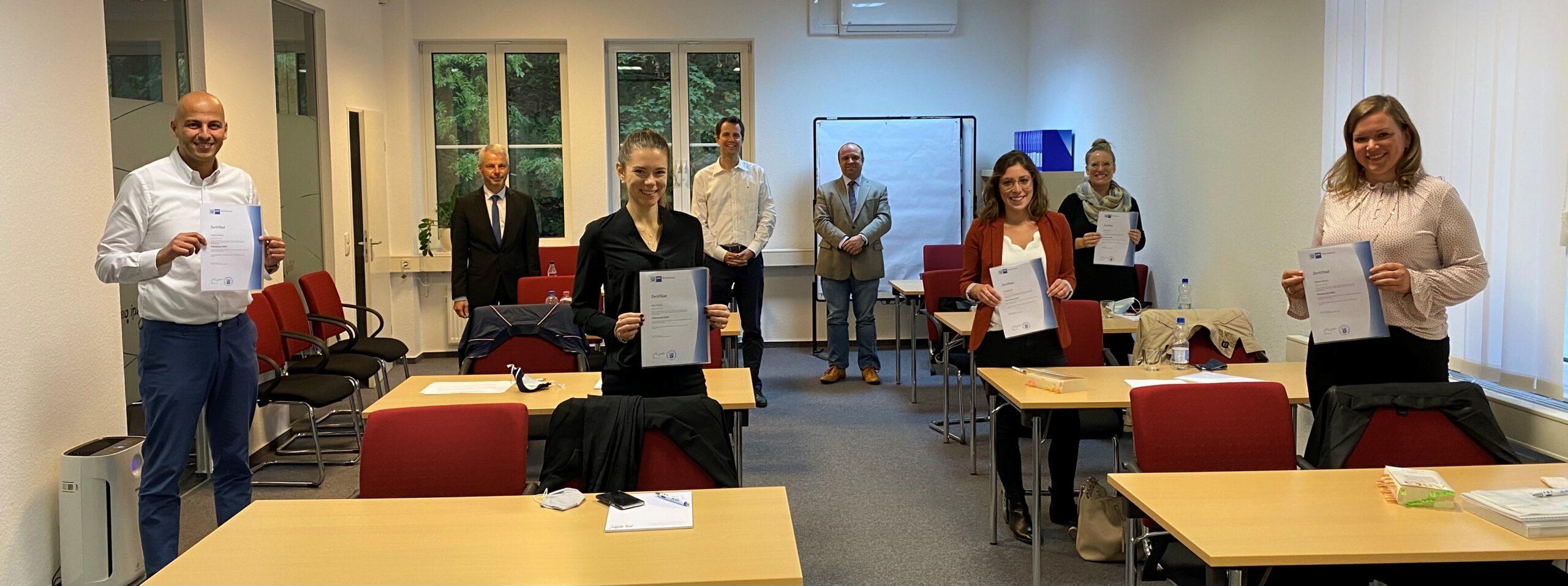 """IHK Zertifikatslehrgang Arbeitsrecht: Erfolgreicher Abschluss im """"Corona-Jahrgang"""""""